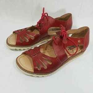 Pikolinos Alkudia Tie Red Sandals